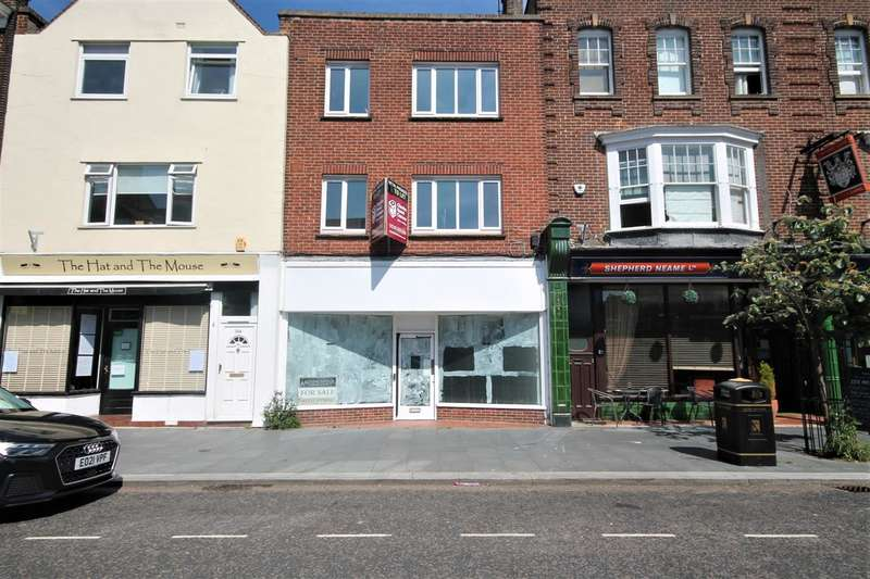 4 Bedrooms Commercial Property for sale in Connaught Avenue, Frinton on Sea