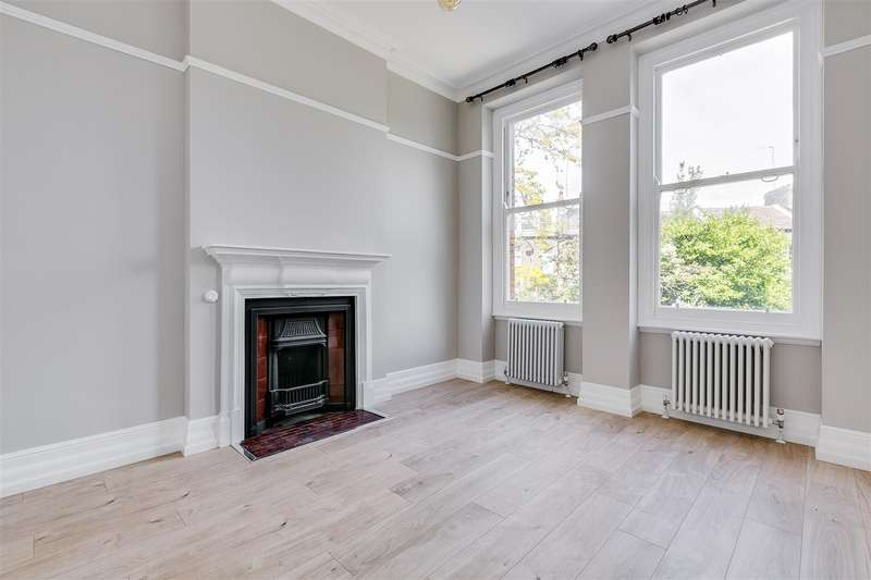 3 Bedrooms Flat for rent in Fitzgeorge Avenue, London, W14