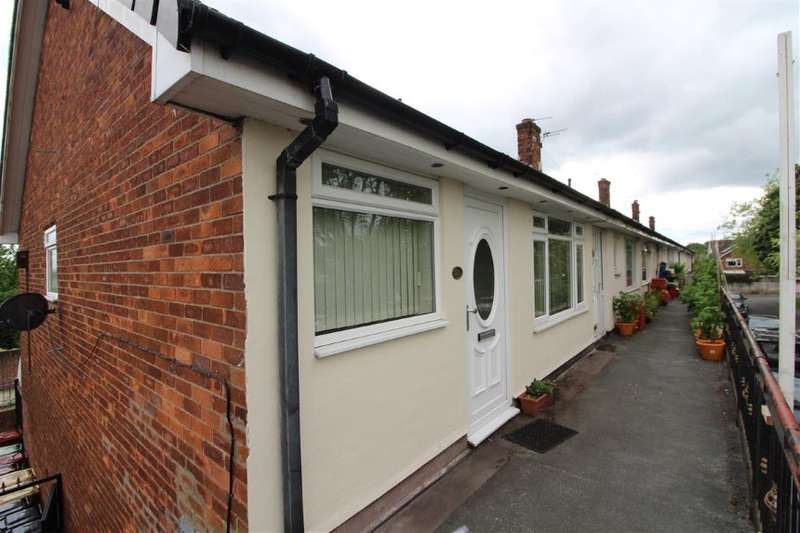 2 Bedrooms Apartment Flat for sale in 83 St. Georges Avenue, Westhoughton, Bolton, Greater Manchester