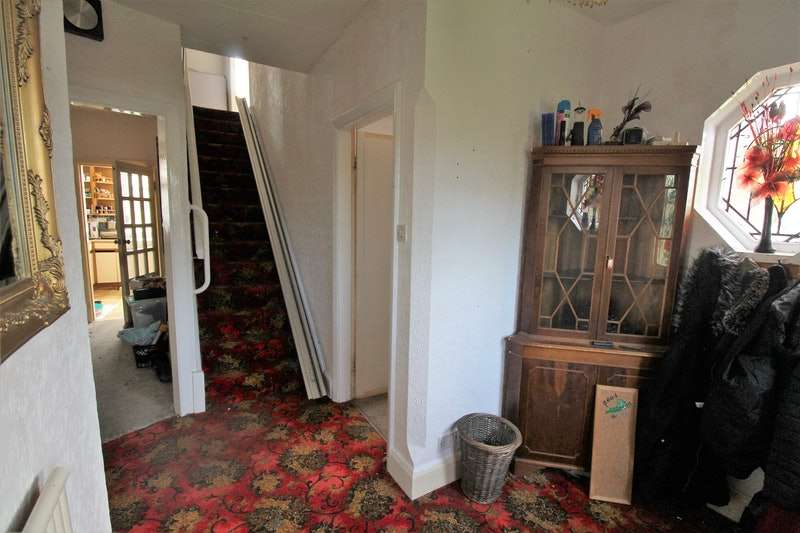 6 Bedrooms Semi Detached House for sale in Castleton Boulevard, Skegness, Lincolnshire, PE25