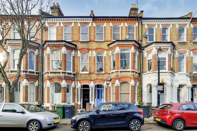 2 Bedrooms Flat for rent in Atherfold Road, Clapham North, SW9