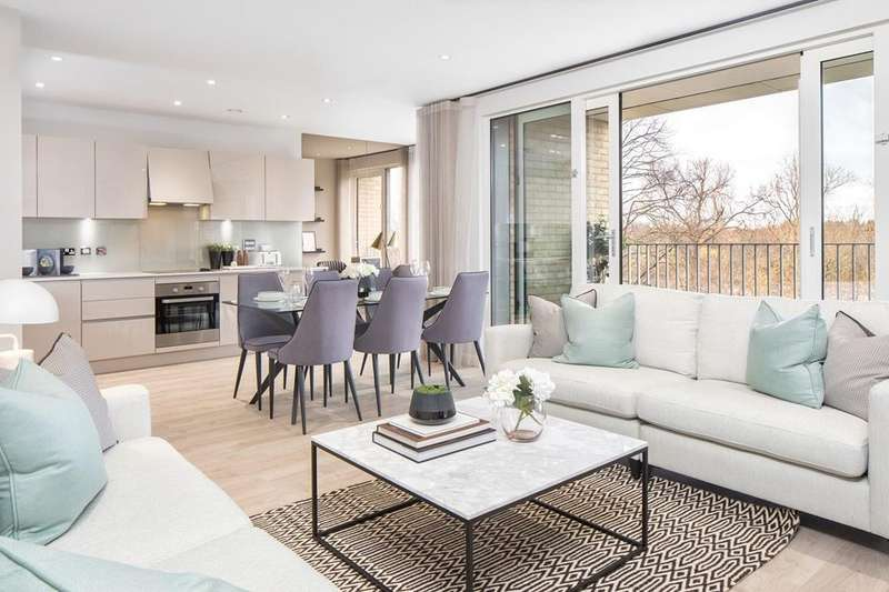 2 Bedrooms Flat for sale in Raine House, New Market Place, Pilgrims Way, East Ham, LONDON, E6 1HW