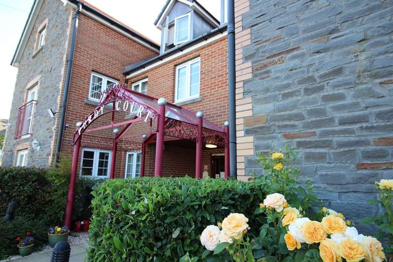 1 Bedroom Flat for sale in Retirement Apartment - New Station Road, Bristol, BS16 3RT