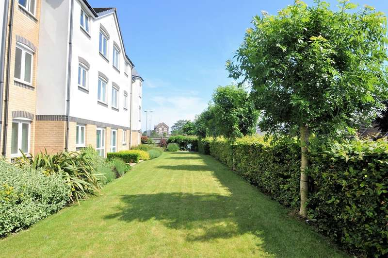 1 Bedroom Flat for sale in London Road, Hadleigh