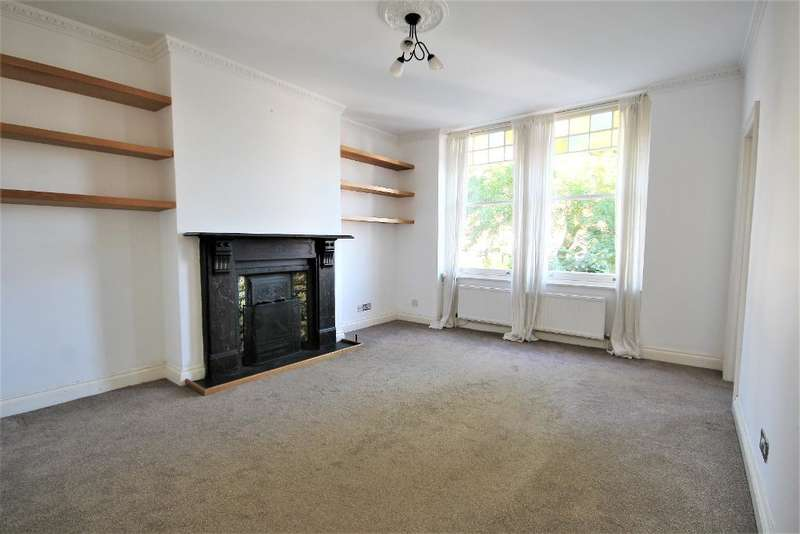 2 Bedrooms Flat for rent in Albany Road, Finsbury Park, London, N4 4RR