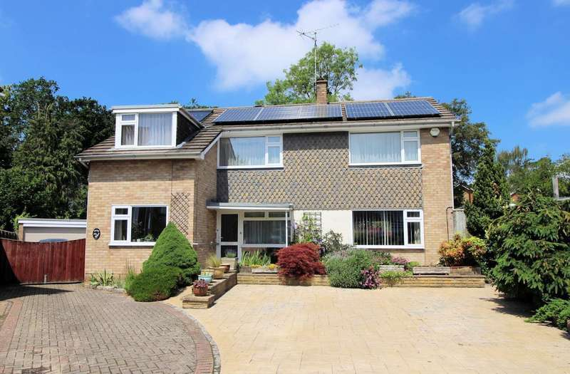4 Bedrooms Detached House for sale in Wetherby Close, Emmer Green, Reading, RG4