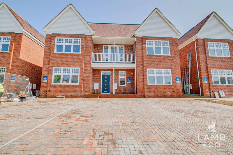 4 Bedrooms Terraced House for sale in Nelson's Place, Nelson Road, Clacton-On-Sea