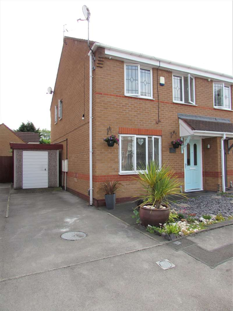 3 Bedrooms Semi Detached House for sale in Inglesham Close, Manchester, M23