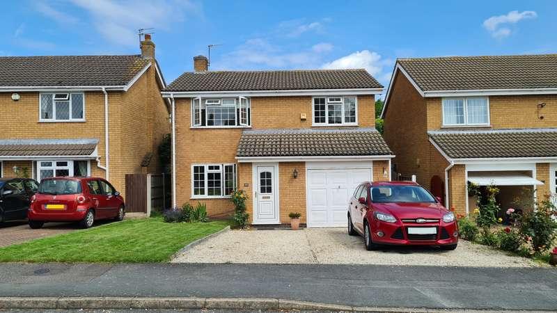 4 Bedrooms Detached House for sale in Montague Drive, Loughborough, LE11
