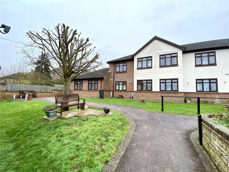 1 Bedroom Apartment Flat for sale in Sheriton Square, Down Hall Road, Rayleigh, Essex, SS6