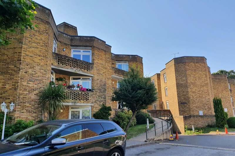 1 Bedroom Flat for sale in Sussex Keep Sussex Close, Slough, SL1