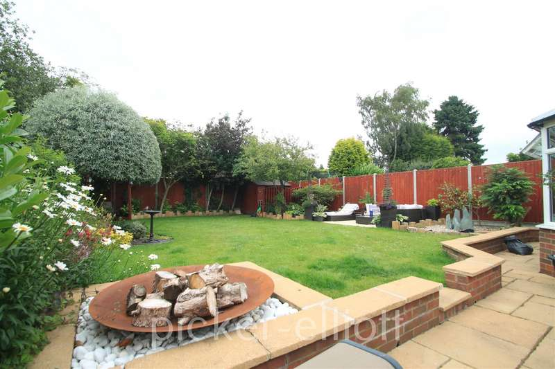 4 Bedrooms Detached House for sale in Hansom Road, Hinckley