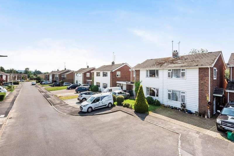3 Bedrooms Semi Detached House for sale in Groveland Road, Newbury, RG14