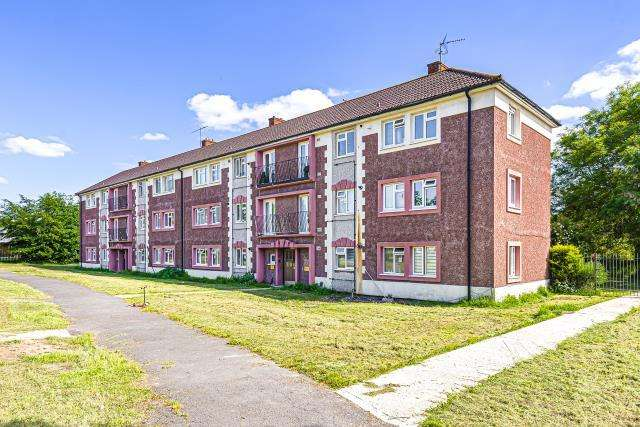 2 Bedrooms Flat for sale in Reading, Berkshire, RG2