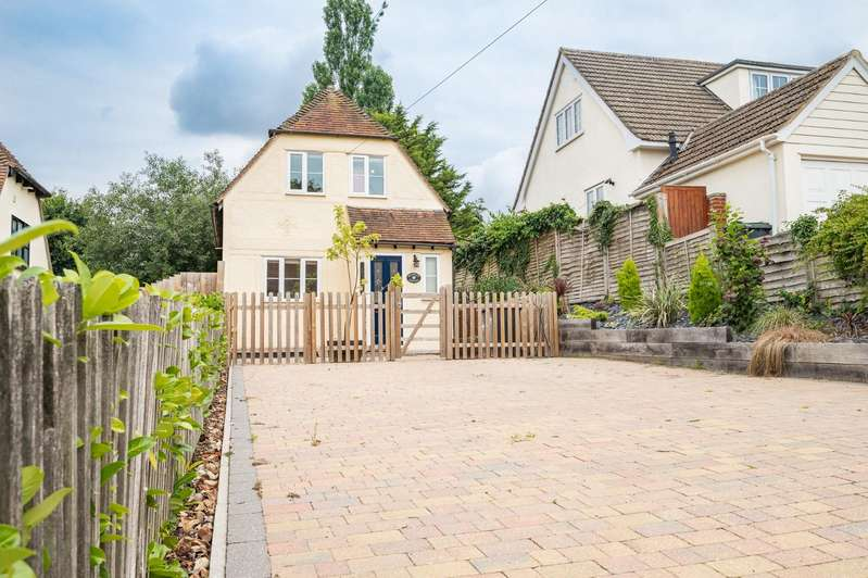 3 Bedrooms Detached House for sale in High Street, Stebbing, Dunmow