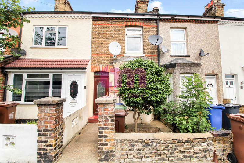 2 Bedrooms Terraced House for sale in Grove Road, Grays