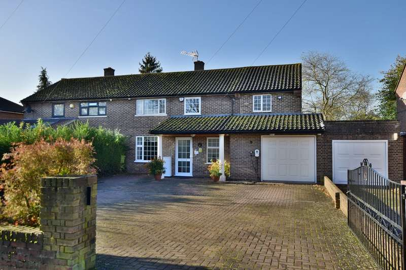 5 Bedrooms Semi Detached House for sale in Blandford Road South, Langley, SL3
