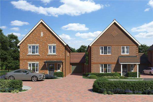 4 Bedrooms Detached House for sale in Buttenshaw Avenue, Arborfield, Reading