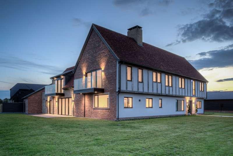 5 Bedrooms Detached House for sale in Bushett Rise, Great Bardfield, CM7