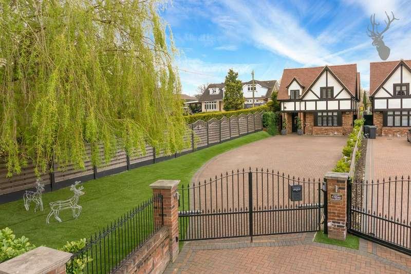 4 Bedrooms Detached House for sale in Oak Hill Road, Stapleford Abbotts, Romford