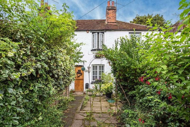 2 Bedrooms Terraced House for sale in Church Road, Cookham, Maidenhead, SL6