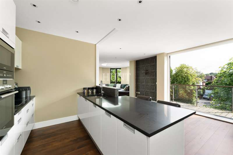 2 Bedrooms Apartment Flat for sale in Eton Heights, Whitehall Road, Woodford Green, Essex