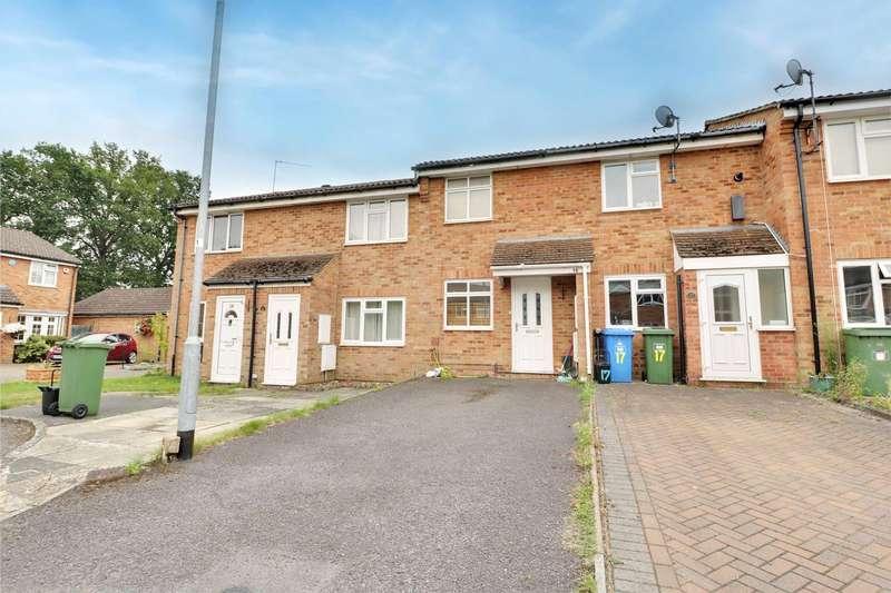 2 Bedrooms Terraced House for sale in Magnolia Close, Owlsmoor, Sandhurst, Berkshire, GU47