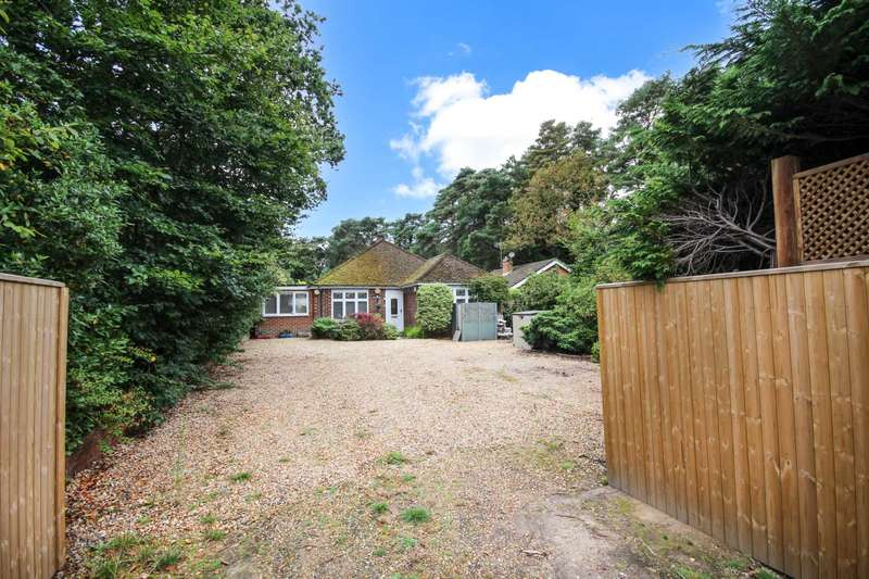 3 Bedrooms Detached Bungalow for sale in Ralphs Ride, Bracknell