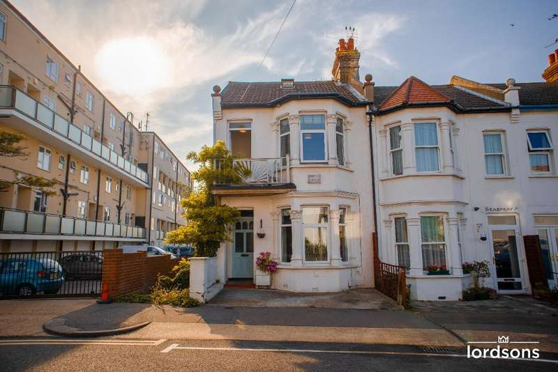 5 Bedrooms End Of Terrace House for sale in Bryant Avenue, Southend on sea, SS1 2YD