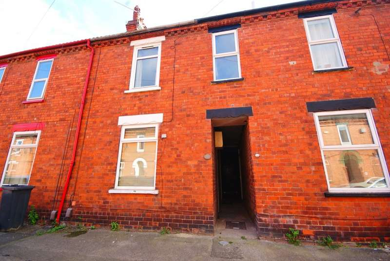 3 Bedrooms Property for rent in Tealby Street, Lincoln LN5