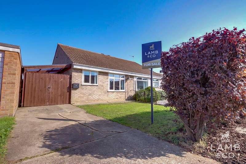 2 Bedrooms Semi Detached Bungalow for sale in Lambourne Close, Clacton-On-Sea