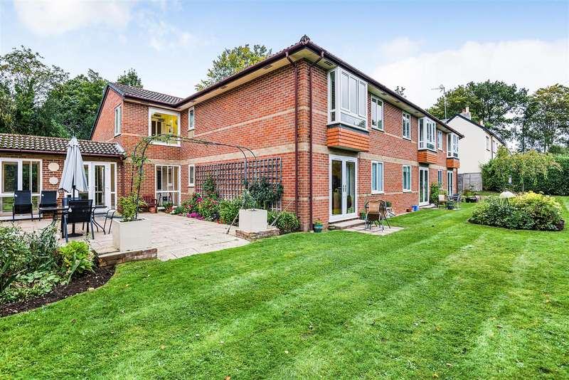 1 Bedroom Retirement Property for sale in New Road, Crowthorne, Berkshire RG45 6SL