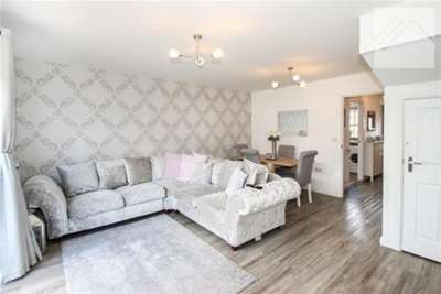 2 Bedrooms Flat for rent in Radio Court, Southend on Sea