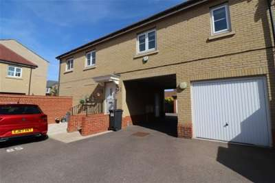 2 Bedrooms House for rent in Holst Avenue , Witham