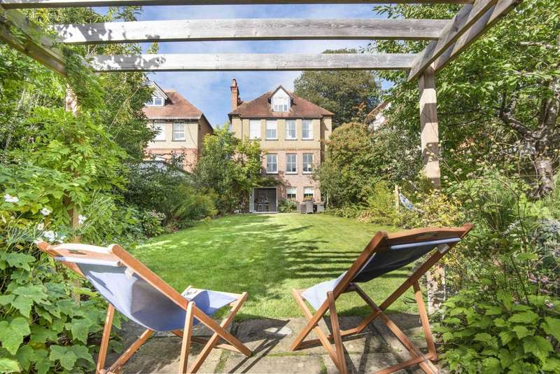 4 Bedrooms Detached House for sale in Laburnham, Maidenhead