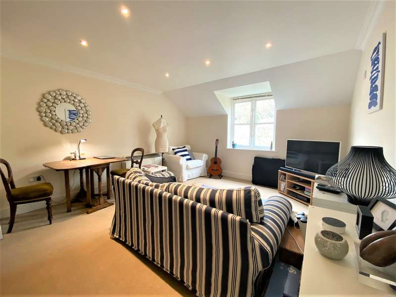 2 Bedrooms Apartment Flat for rent in The Old George, Nailsworth, GL6