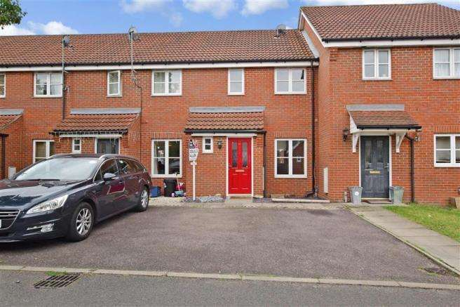 2 Bedrooms House for rent in Sherman Gardens, Chadwell Heath, Romford, RM6 4AX