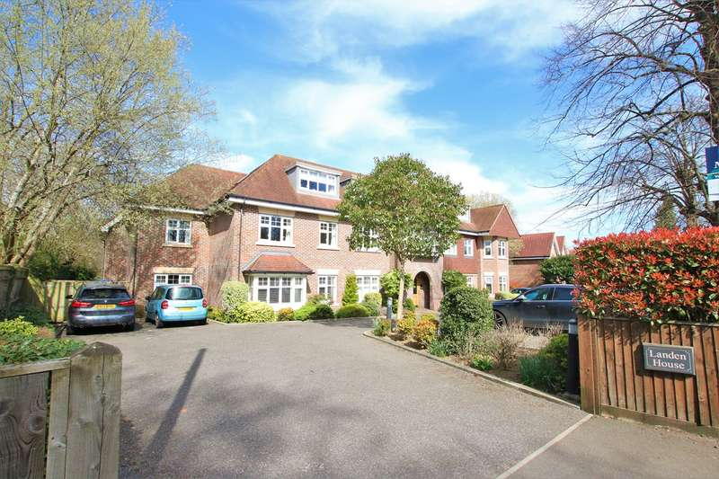2 Bedrooms Penthouse Flat for sale in Rectory Road, Wokingham, RG40