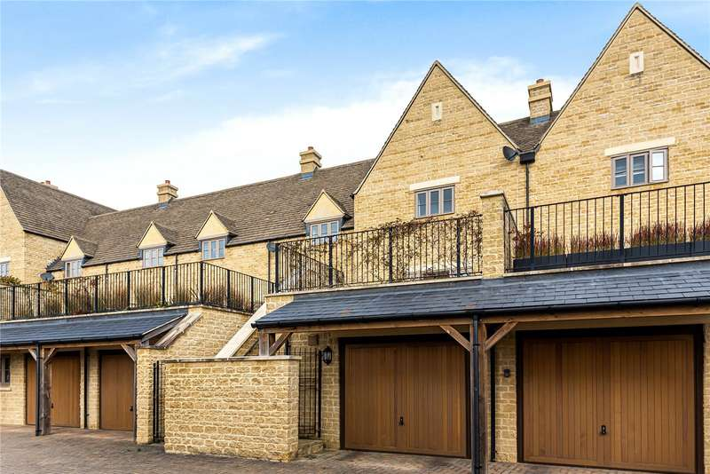 3 Bedrooms Terraced House for sale in Matthews Walk, Cirencester, GL7
