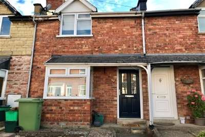 2 Bedrooms House for rent in Granley Road, Cheltenham