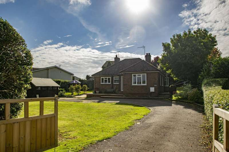 3 Bedrooms Detached Bungalow for sale in Hill Bottom, Whitchurch Hill, RG8