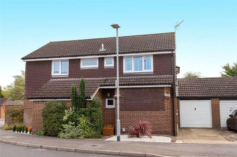 4 Bedrooms Detached House for sale in Diamond Way, Wokingham, Berkshire, RG41