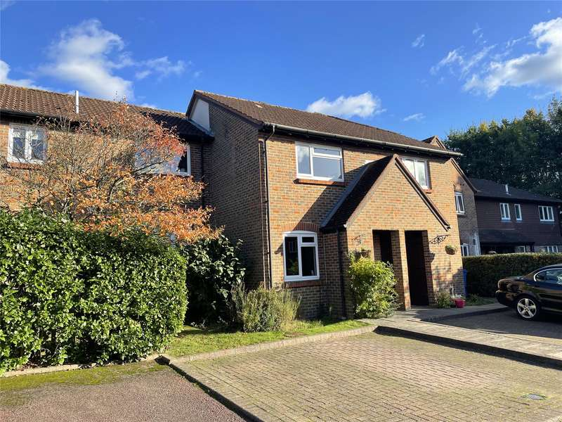 2 Bedrooms Terraced House for sale in Othello Grove, Warfield, Bracknell, Berkshire, RG42