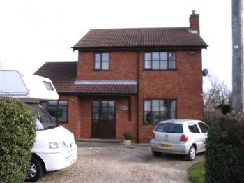 3 Bedrooms Detached House for sale in Strubby, Alford