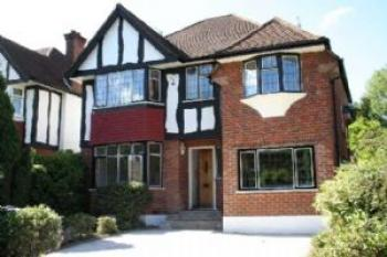5 Bedrooms Detached House for sale in Chestnut Avenue, Edgware