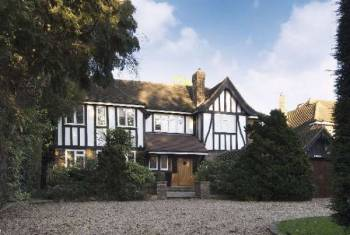 5 Bedrooms Detached House for sale in Brockley Hill, Stanmore