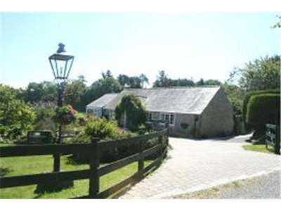 3 Bedrooms Detached Bungalow for sale in Llanallgo, Nr Moelfre, Anglesey