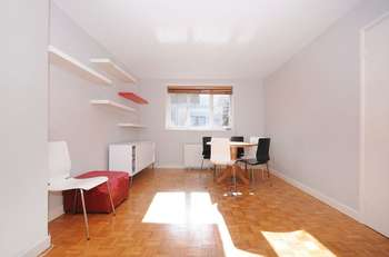 1 Bedroom Flat for sale in East Acton Lane, W3