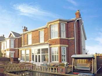4 Bedrooms Detached House for sale in Morven Grove, SOUTHPORT, Merseyside