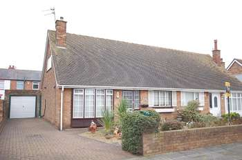 2 Bedrooms Semi Detached Bungalow for sale in Wyndham Gardens, South Shore